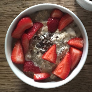 cacao strawberry overnight oats